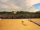 Uxmal Czworokat mniszek po lewej palac gubernatora na wprost domek żółwi