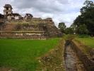 dsc_0499-palenque-palac-z-drugiej-strony-kanal-doprowadzajacy-wode