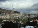 dsc_0771-stolica-w-drodze-slamsy-stolicy-kolory-budynkow-oznaczaja-przynaleznosc-partyjna