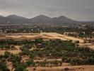 dsc_0875-teotihuacan-po-lewej-cytadela-po-prawej-aleja-zmarlych
