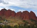"""Dolina Djety Oguz - skały """"Siedem byków"""""""