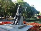 Biszkek - pomnik pisarza