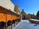 Buchara po prawej meczet Magoki-Attori z muzeum dywanów
