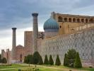 Samarkanda pl Registan z boku, mauzelem Gur-e Amir, medresy, zbud Tamerlan 1404 r