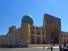 Buchara kompleks Kalon - Minaret Kalonmeczet Kalon i medresa Mir-i Arab XII w, minaret 46 m wysokości oraz średnicę 9 m w dolnej i 6 w górnej części