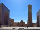 Buchara kompleks Kalon - Minaret Kalon meczet Kalon i medresa Mir-i Arab XII w, minaret 46 m wysokości oraz średnicę 9 m w dolnej i 6 w górnej części